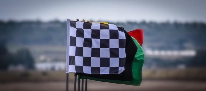 เรียนรู้สัญญาณธง เพื่อเพิ่มอรรถรสในการดูรถแข่ง