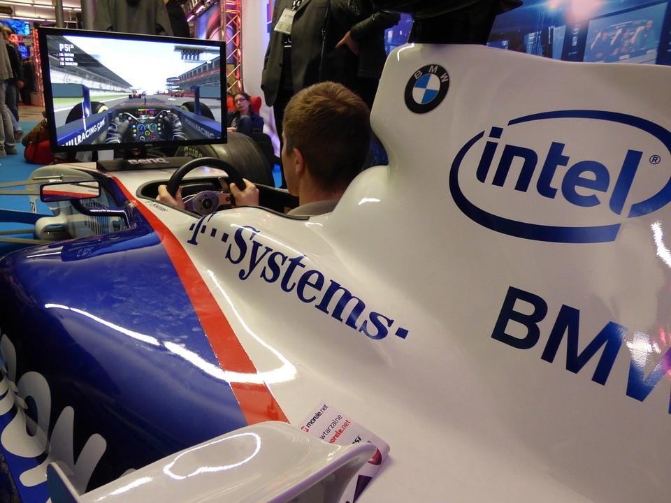 ทีมแข่งรถมีการนำเทคโนโลยีมาใช้ในการฝึกซ้อมอย่างไร