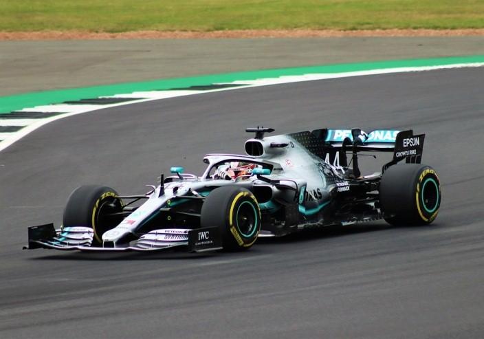 นักกีฬารถแข่ง 6 สมัย ในสนาม F1 ตำนานอีกบทหนึ่งที่น่าจดจำ